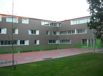 façana-escola-Avenç_S